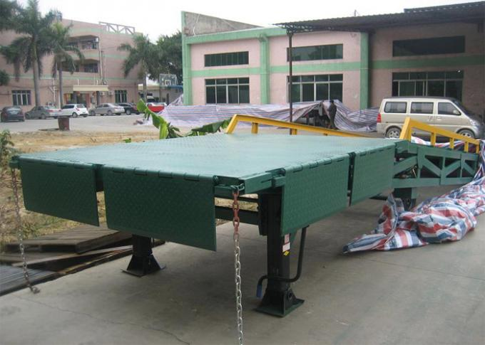 Q235B Three Side 10 Tons Mobile Dock Ramp For Container Loading