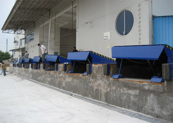 Chiny Single Cylinder Hydraulic Dock Levelers For Sea Port Physical Distribution dostawca