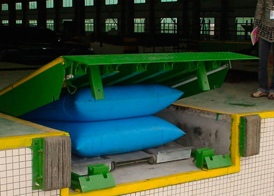 Chiny CE Approved 10 Ton Airbag Dock Leveler For Loading / Unloading Cargo dystrybutor